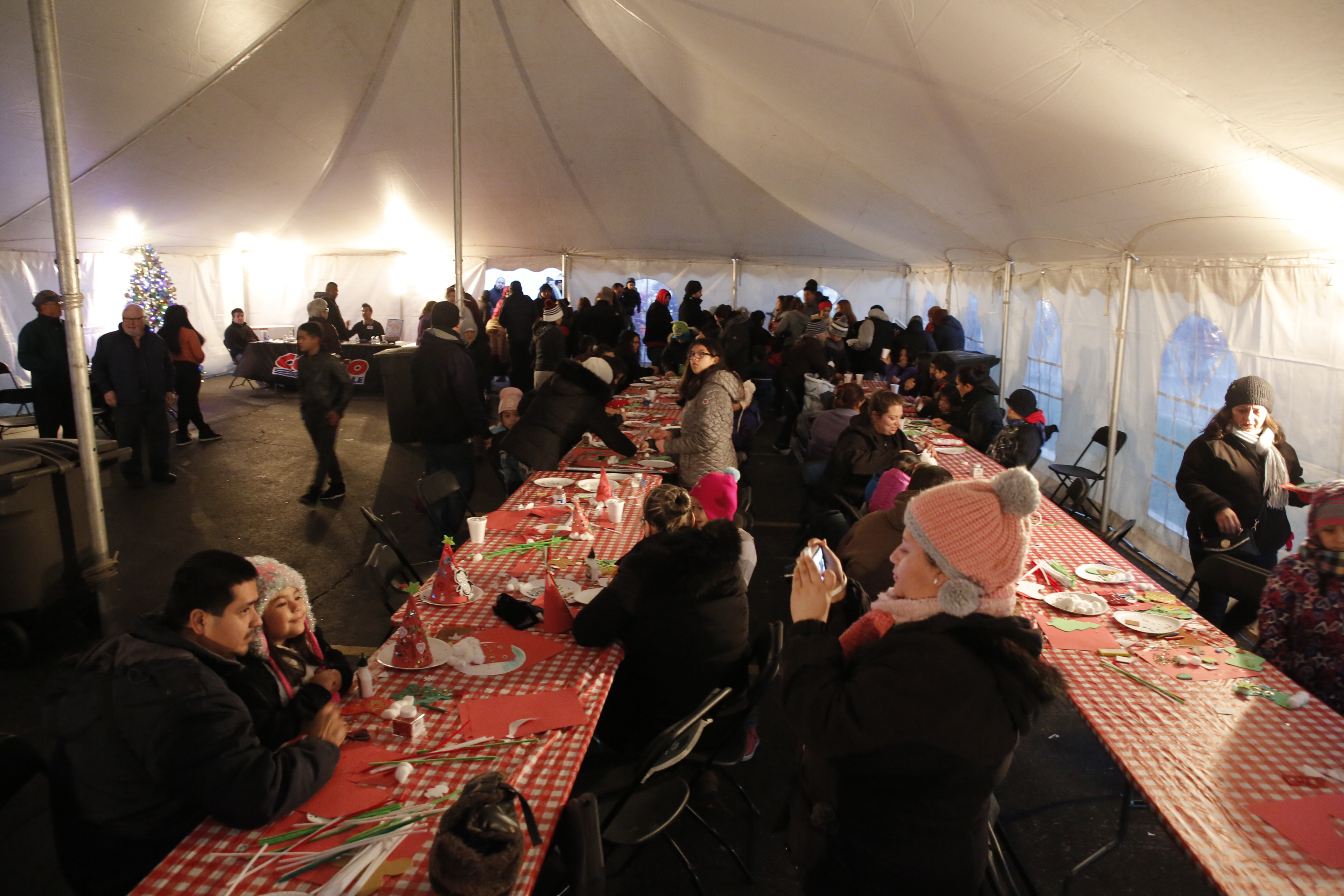 this event officially starts both the christmas celebrations throughout cicero and the ice skating season at the bobby hull community ice rink